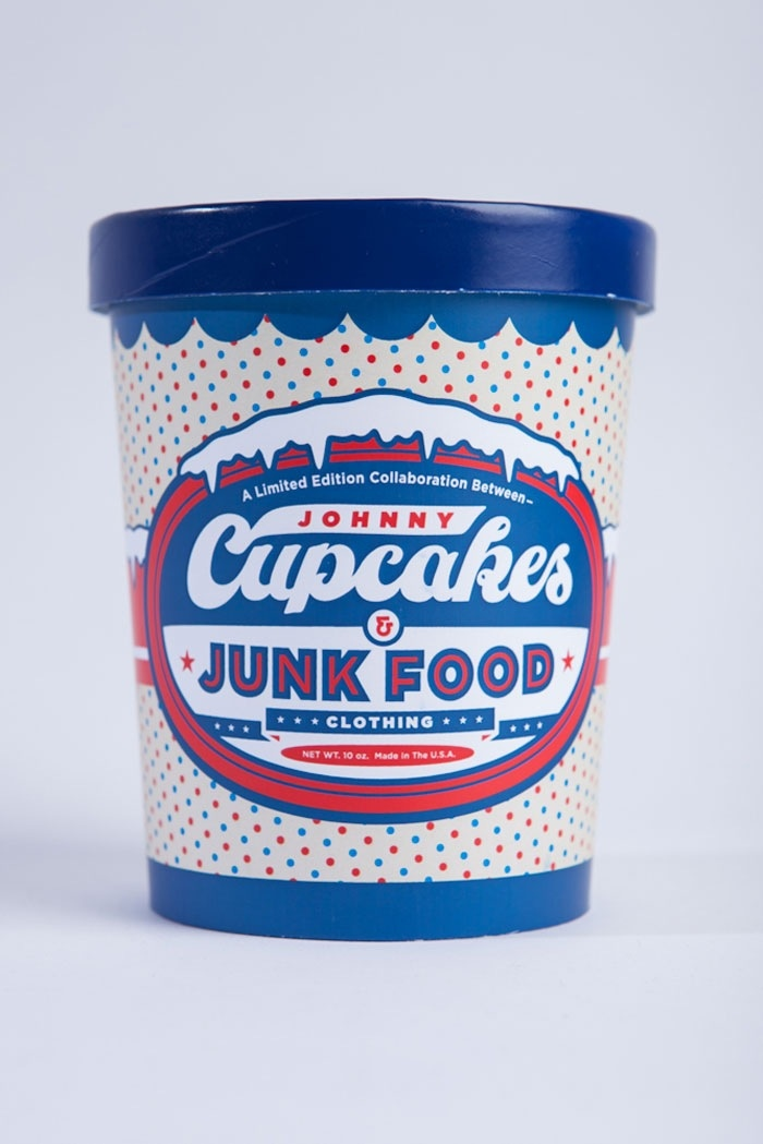 "johnny cupcakes Johnny cupcakes will pop into the cupcakery on saturday to present what he  calls the world's first ""t-shirt bakery."